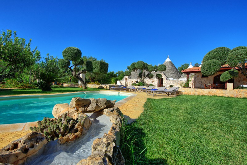 trulli for rent italy