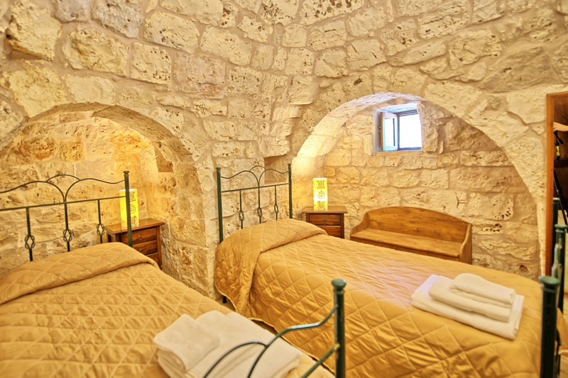 twin bedroom trulli