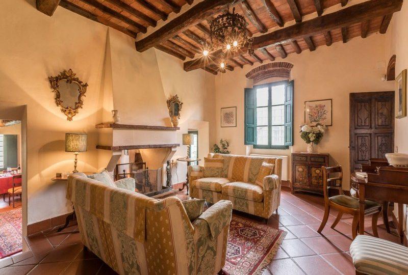 living room tuscany villa