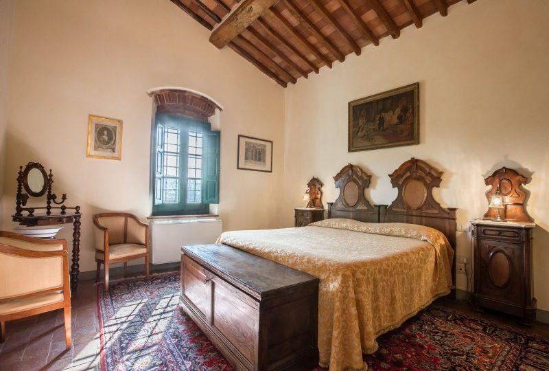 double bedroom tuscan villa