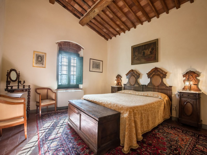 double bedroom tuscan villa