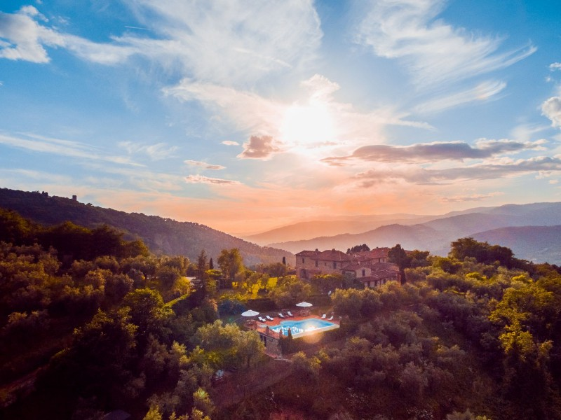 breaktaking views tuscan villa