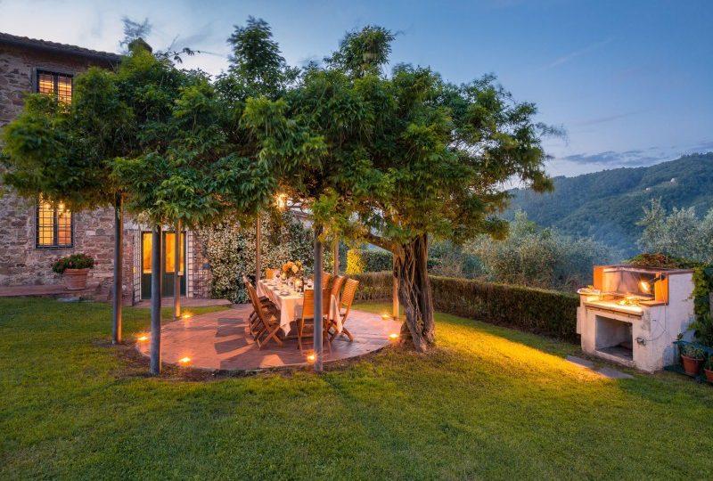 garden with views tuscan villa