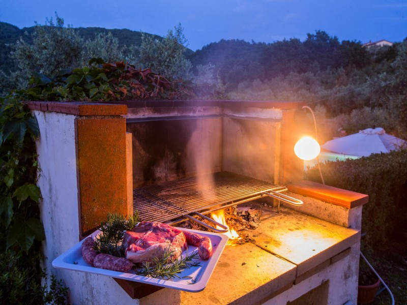 barbecue tuscan villa