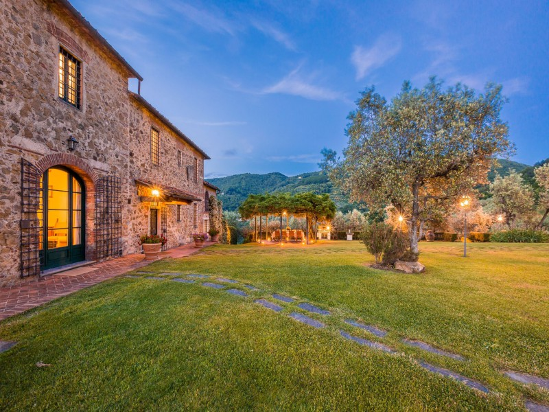 tuscany country house