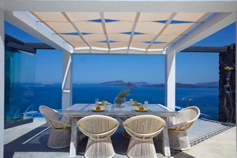 outdoor dining santorini villa