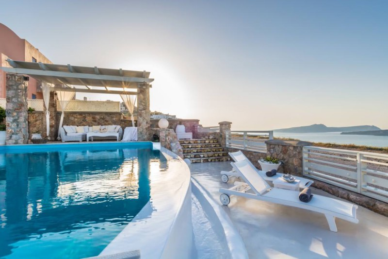 swimming pool luxury santorini villa