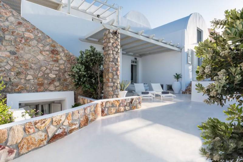 barbecue luxury santorini villa for rent