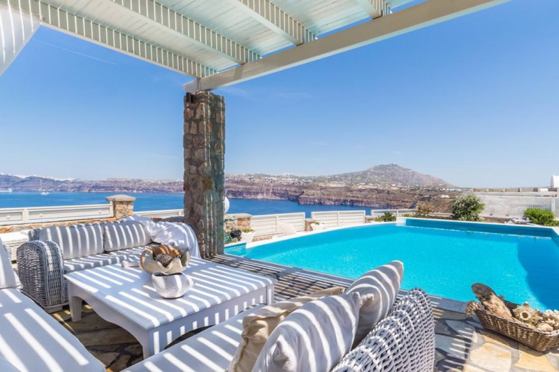 pool with view of Aegean sea luxury santorini villa for rent