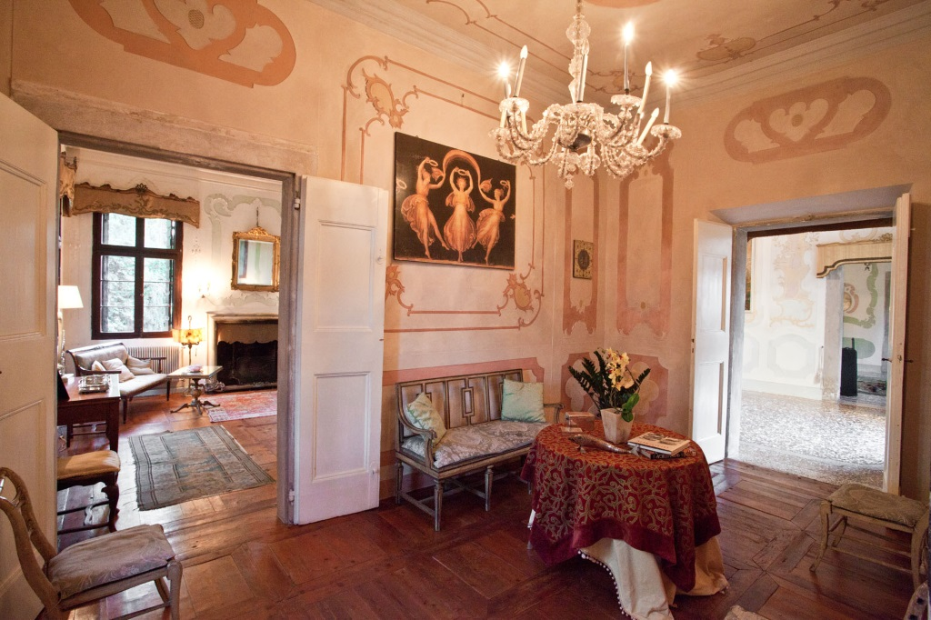 main hall Luxury villa for rent in Prosecco area