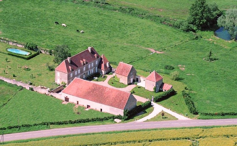 large manor country house in Burgundy France for rent
