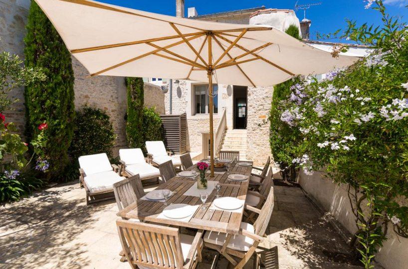 patio Ile de re private villa for rent France
