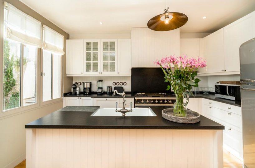 kitchen Ile de re private villa for rent France