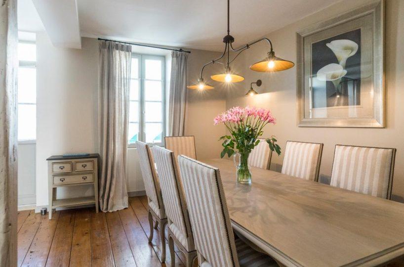 dining area Ile de re private villa for rent France