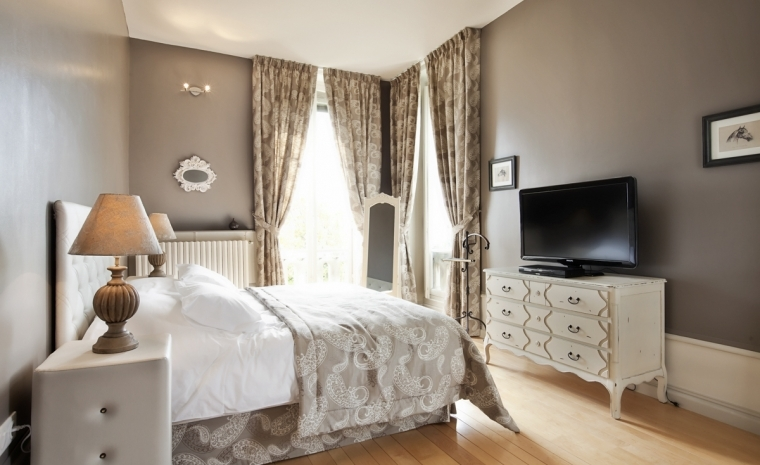Bedroom with TV Luxury Chateau Burgundy France