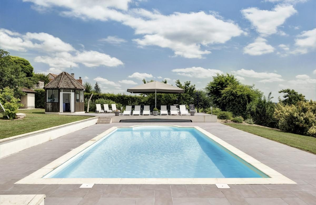 Swimming pool Luxury Chateau Burgundy France