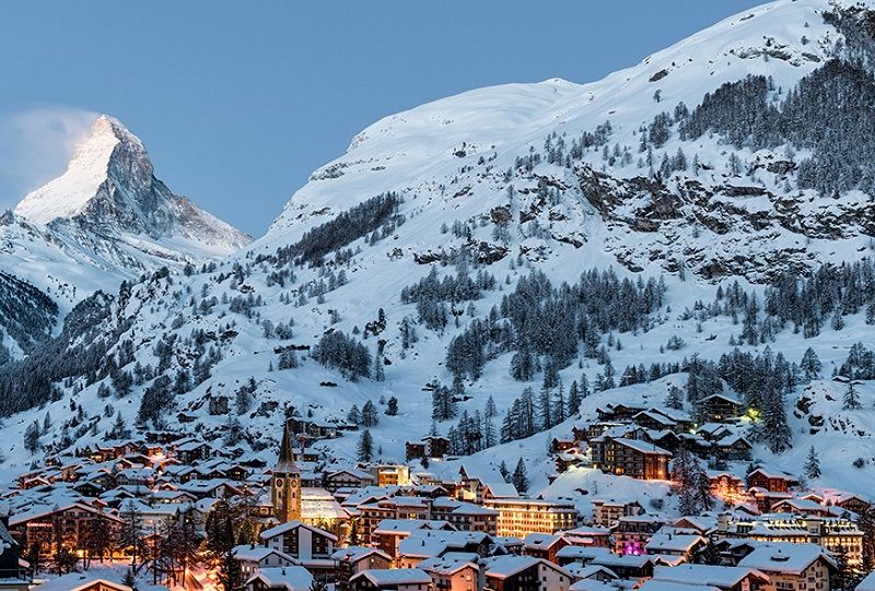Luxury Skli chalets in the Alps Zermatt