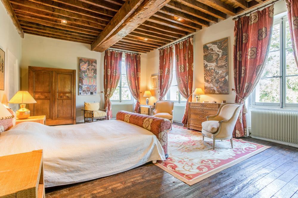 master suite bedrooms