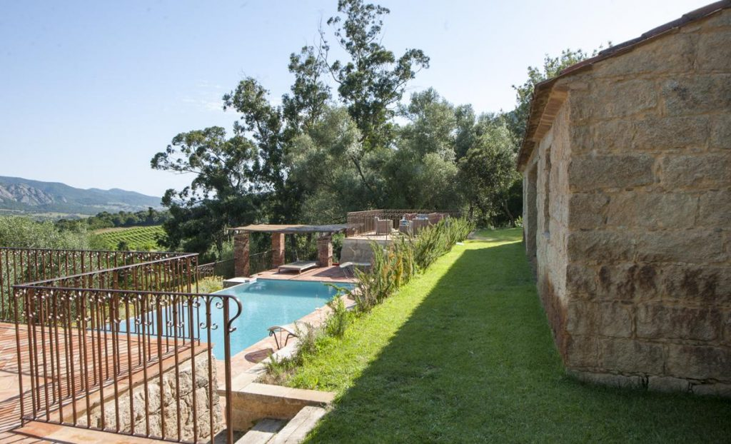 Private villa with pool in Corsica Outdoors