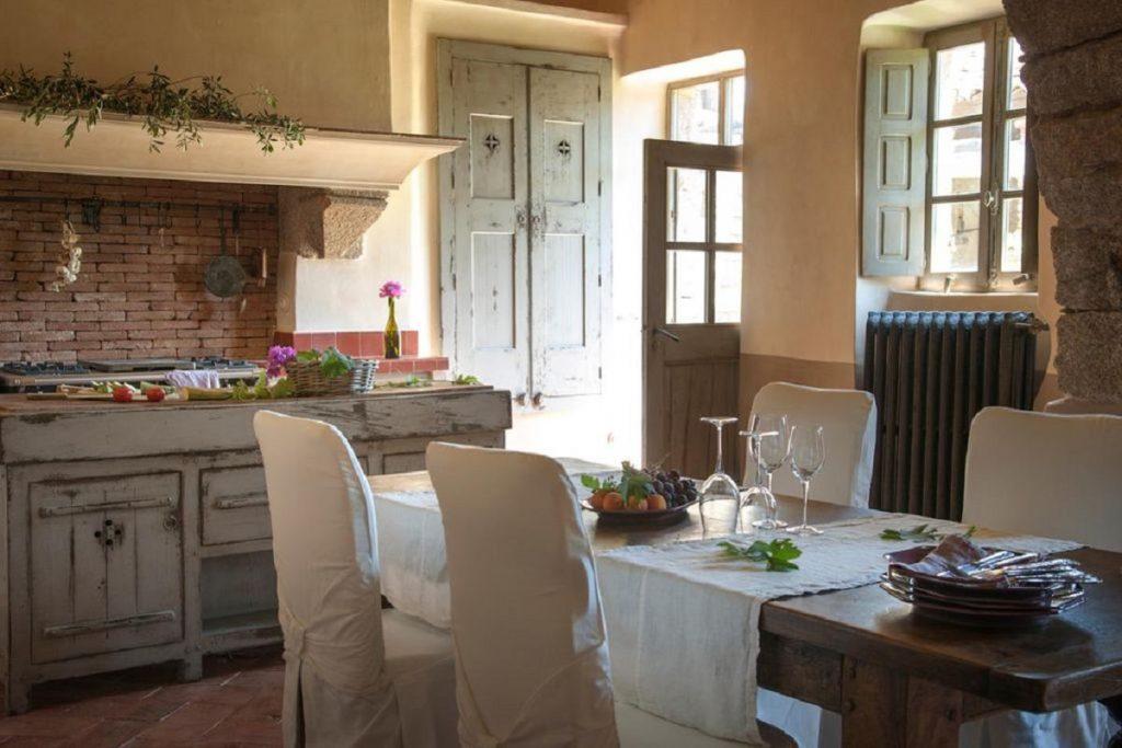 dinding interior of the villa