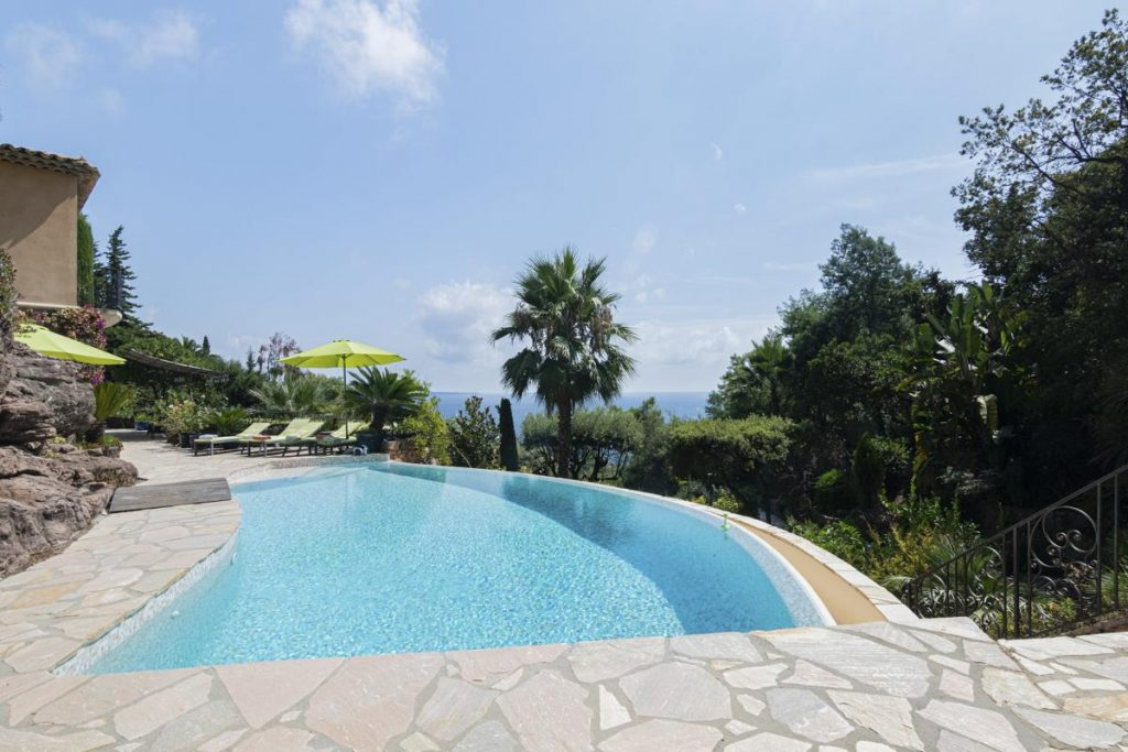Swimming pool of the villa in Cannaes French Riviera