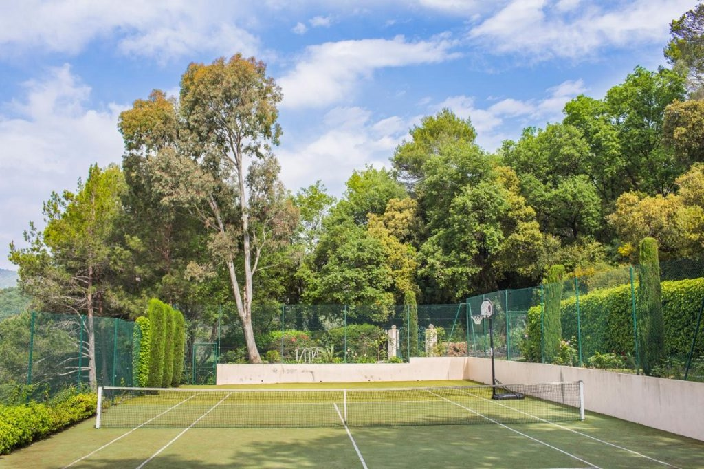 Villa Cannes Tennis court