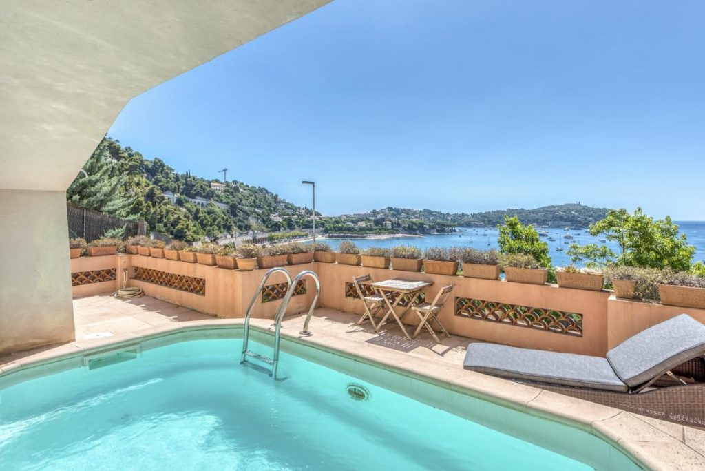 Outdoor Swimming pool Villa in Nice French Riviera