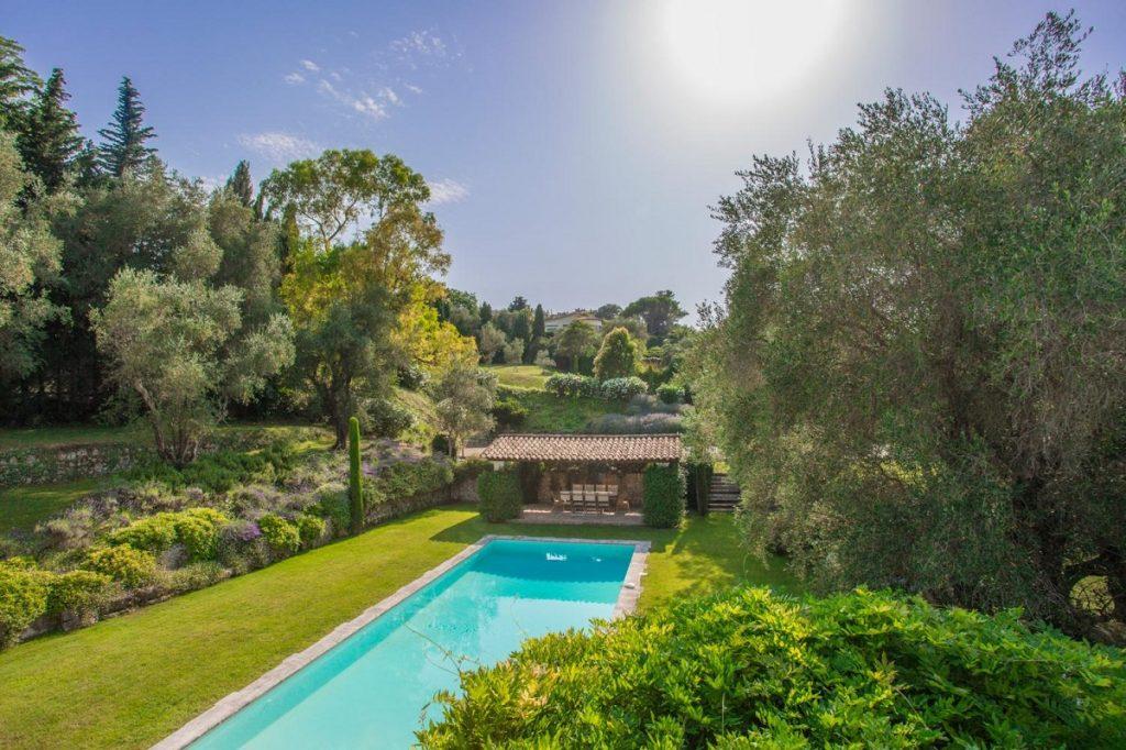 Long Swimming pool Cannes Villa France