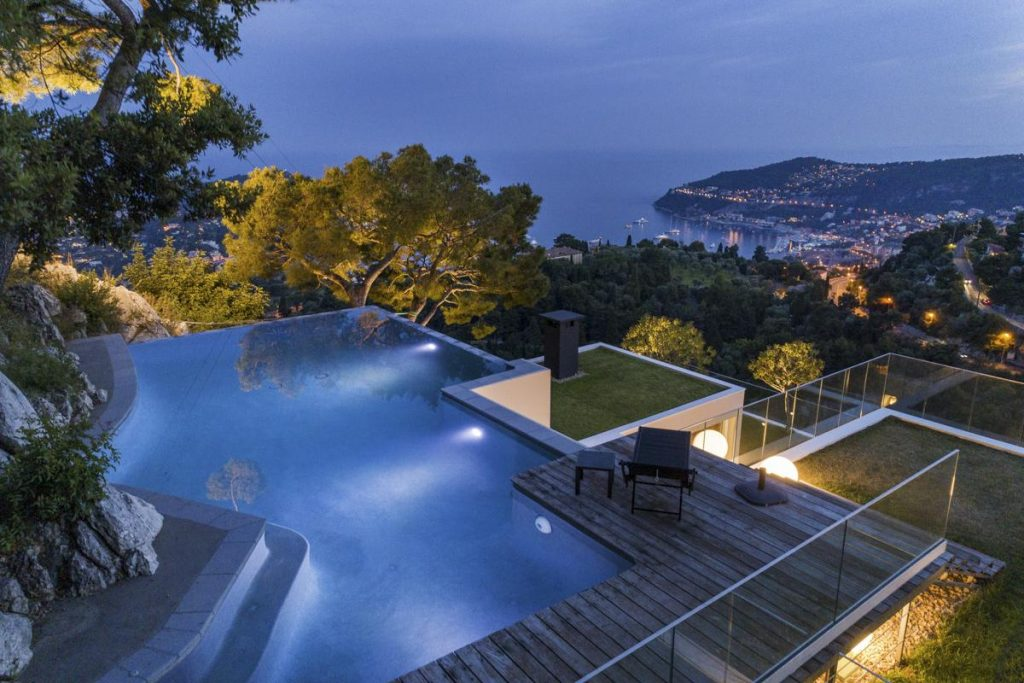 luxurious outdoor jacuzzi and swimming pool