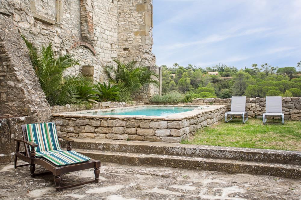 Gardens with a pool holiday accommodation near Carcassonne, Languedoc-Roussillon
