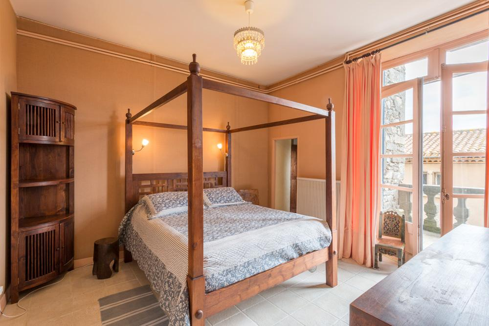 Ensuite Master suite bedroom holiday accommodation near Carcassonne, Languedoc-Roussillon