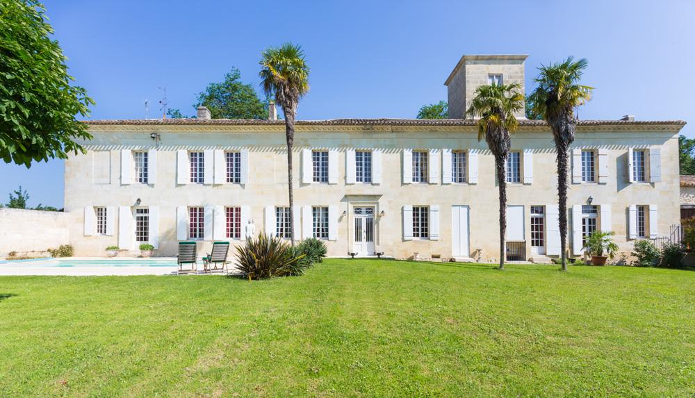 House and pool villa rental in St Emilion