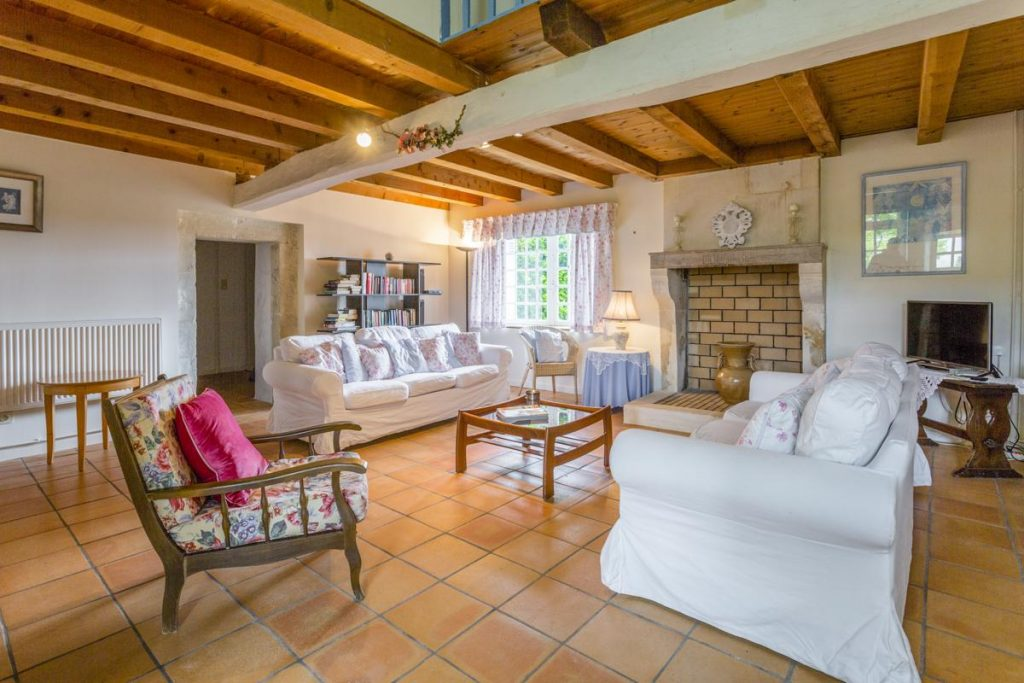 Villa 1 interior sitting area