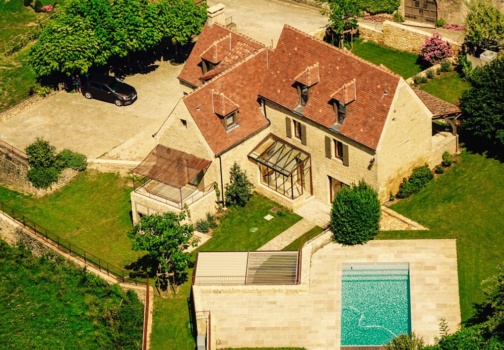 Pool from above Maison with 07 ensuite bedrooms