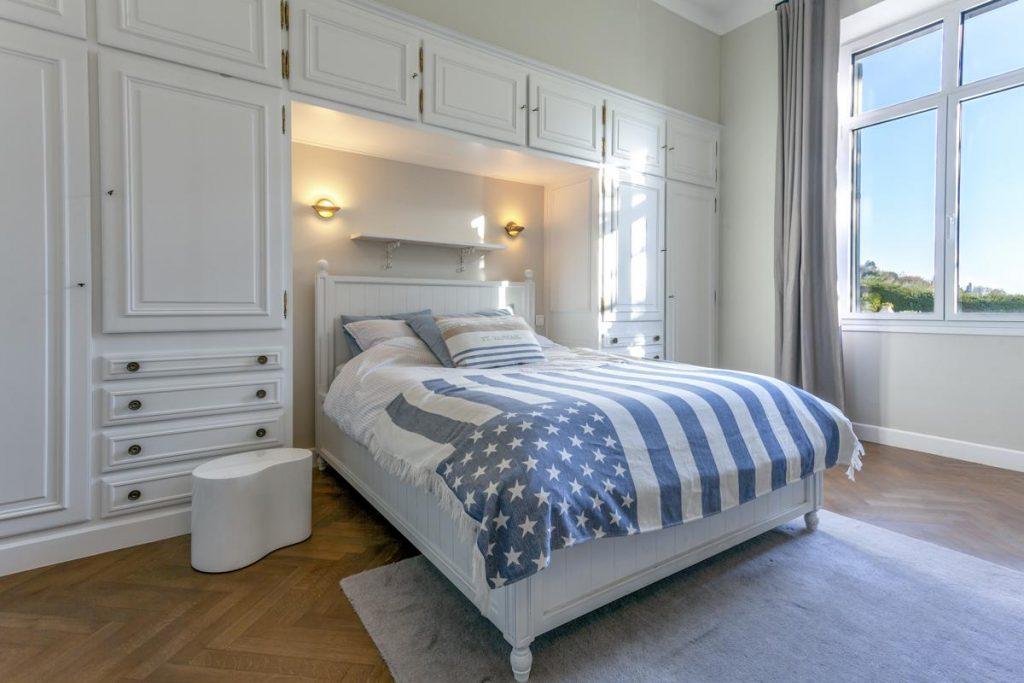 Modern double ensuite bedroom Garden floor level
