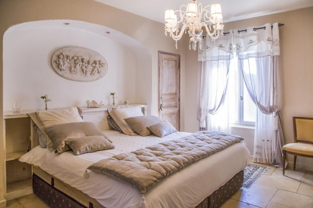 Ensuite Bedrooms Luxury Villa in Saint-Rémy de Provence