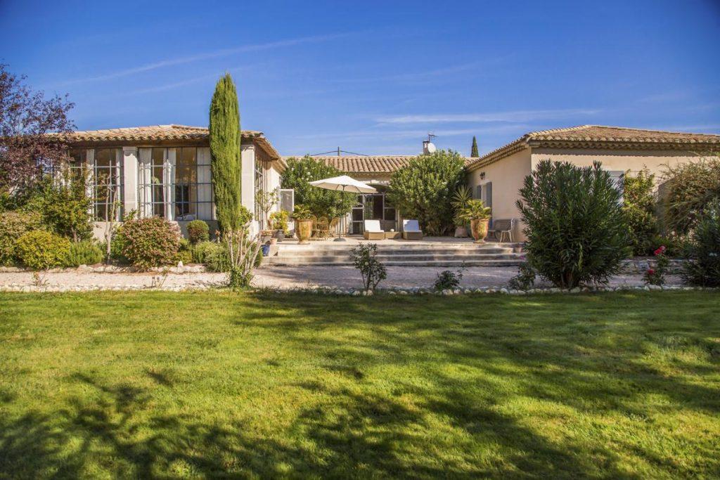 Garden and Swimming pool Luxury Villa in Saint-Rémy de Provence