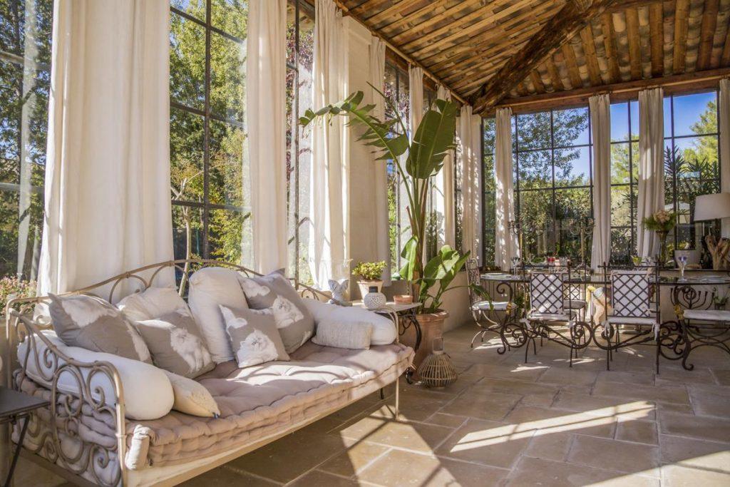 interior Family Luxury Villa in Saint-Rémy de Provence