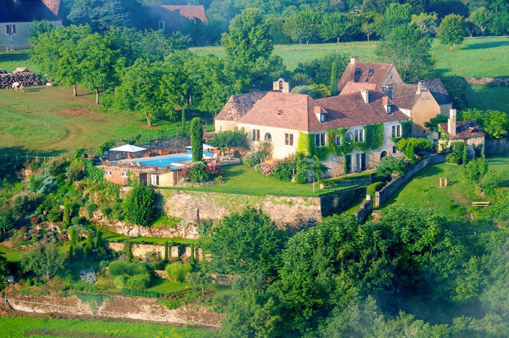 Private 4 bedroom villa from outside in Dordogne, France