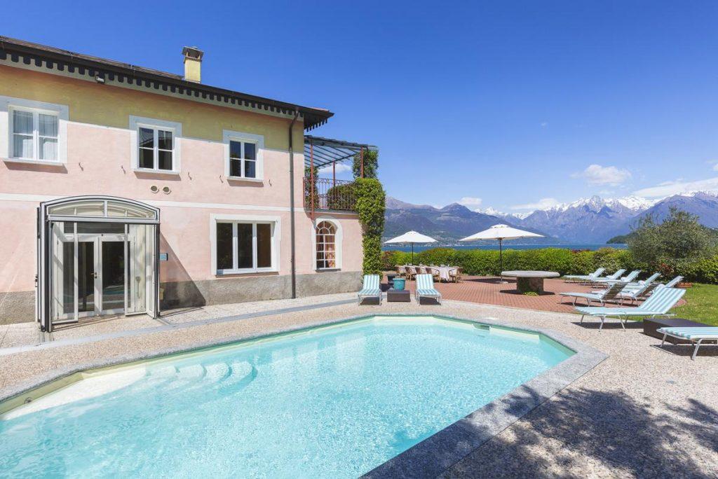Heated indoor pool Large group villa with a pool near Menaggio, Lake Como