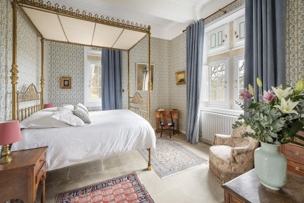 En suite bedrooms Luxury chateau with a Pool in Languedoc