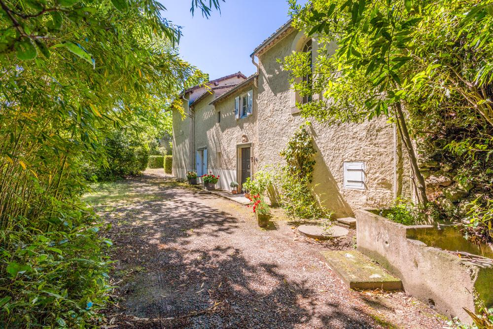 Outside entrance villa in Languedoc with a private pool