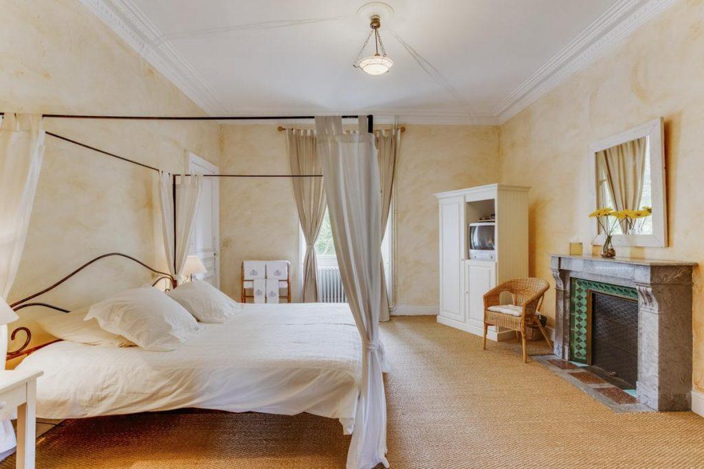 Ensuite large double/tiwn bedrooms