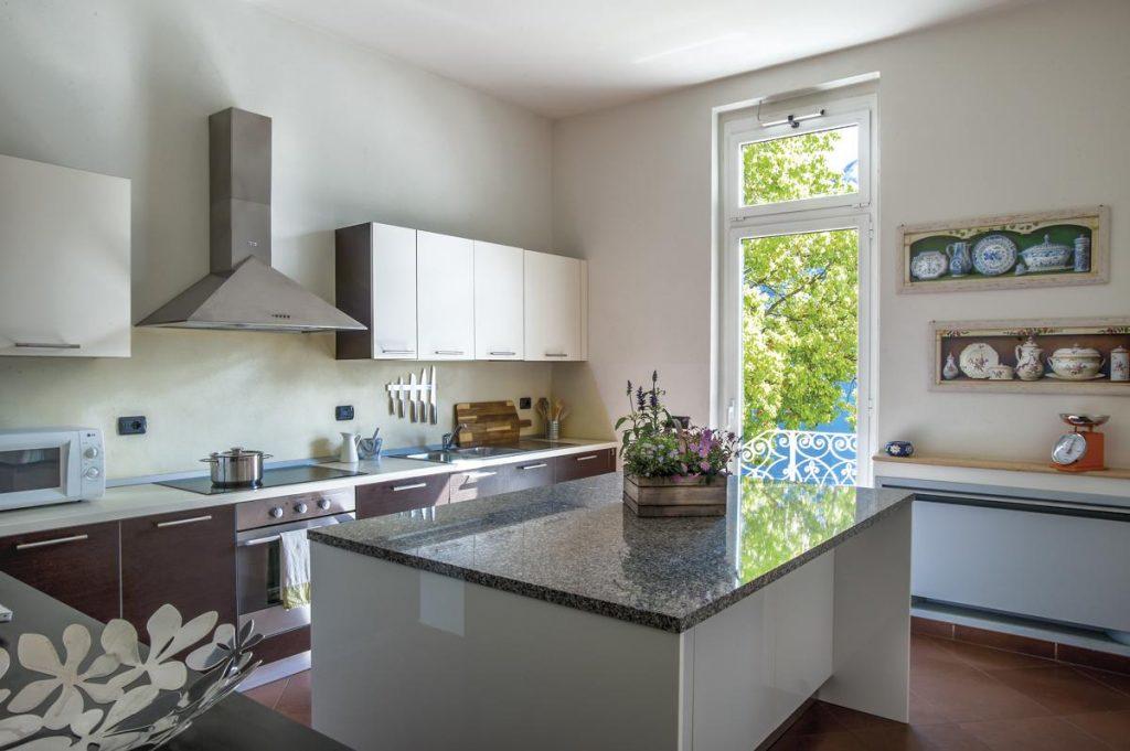 Kitchen with Oven Hob at Lake Como Villa