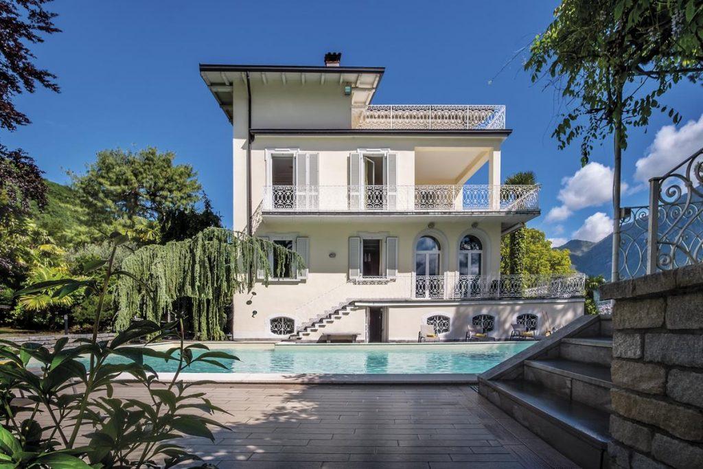 Outside view of Lake Como luxury villa holiday rental