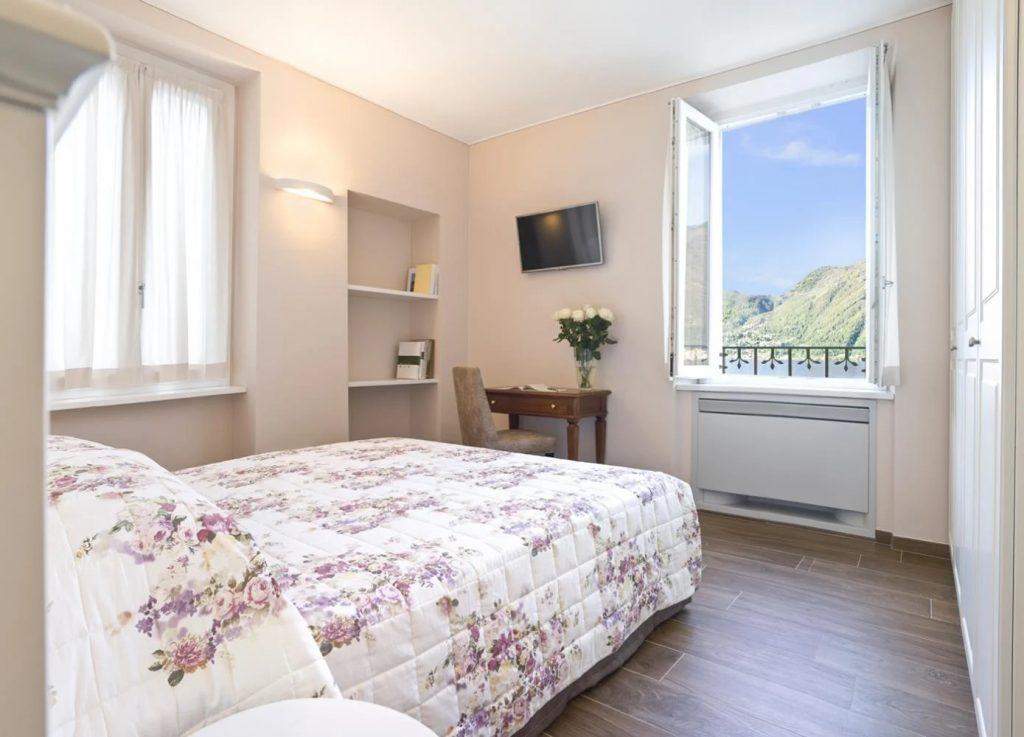 Double bedroom with ensuite facilities king size bedrooms