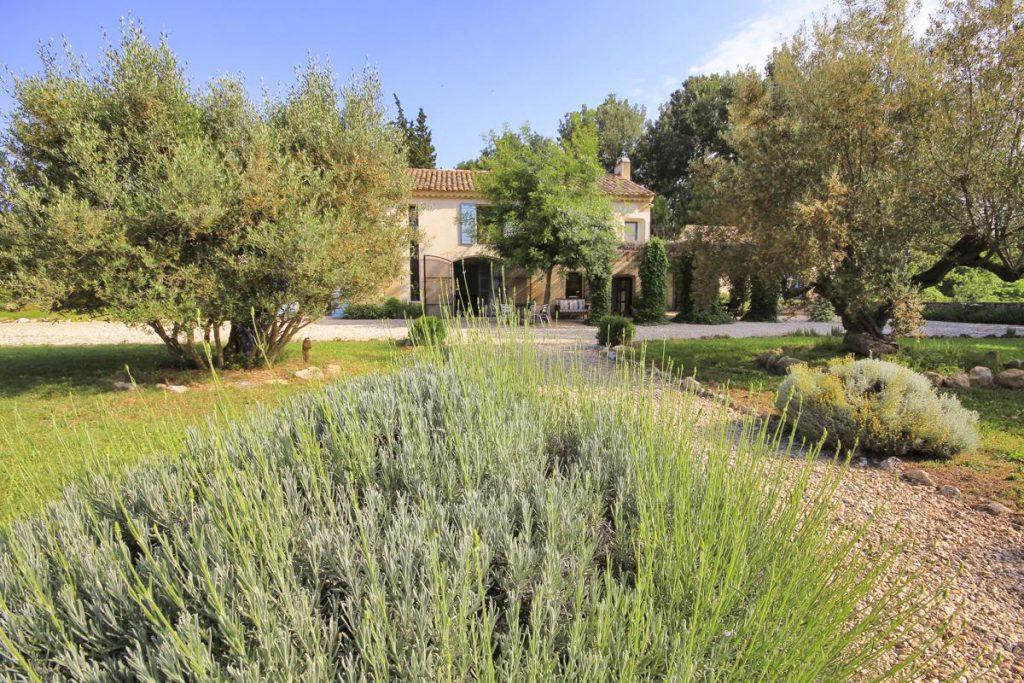 Entrance main Villa with a pool near Nimes, Provence