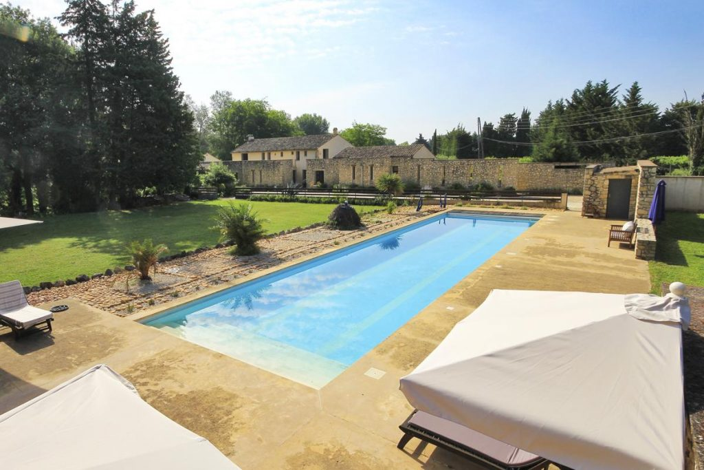 Swimming pool gardens Villa with a pool near Nimes, Provence