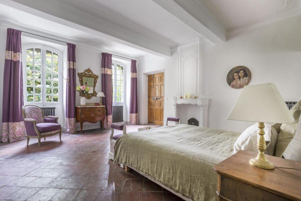 ensuite Bedroom Luxury villa near Avignon, Provence