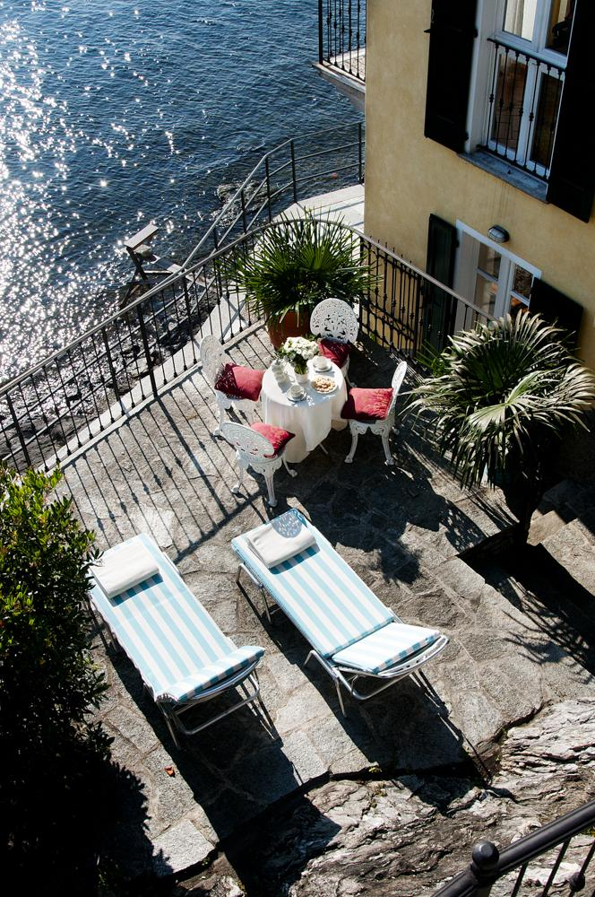 Outside terrace siting with lake views of Como